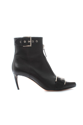 fb2cfed7fbda6 Alexander McQueen Buckled Leather Ankle Boots. Size   39.5