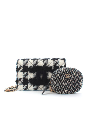 Chanel Houndstooth Tweed Shoulder Bag with Pouch (Fall 2019 Runway Collection - Look 8) - Limited Edition
