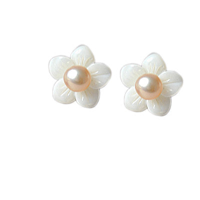 Fashion Shell White Flower Simple Pearl Stud Earrings