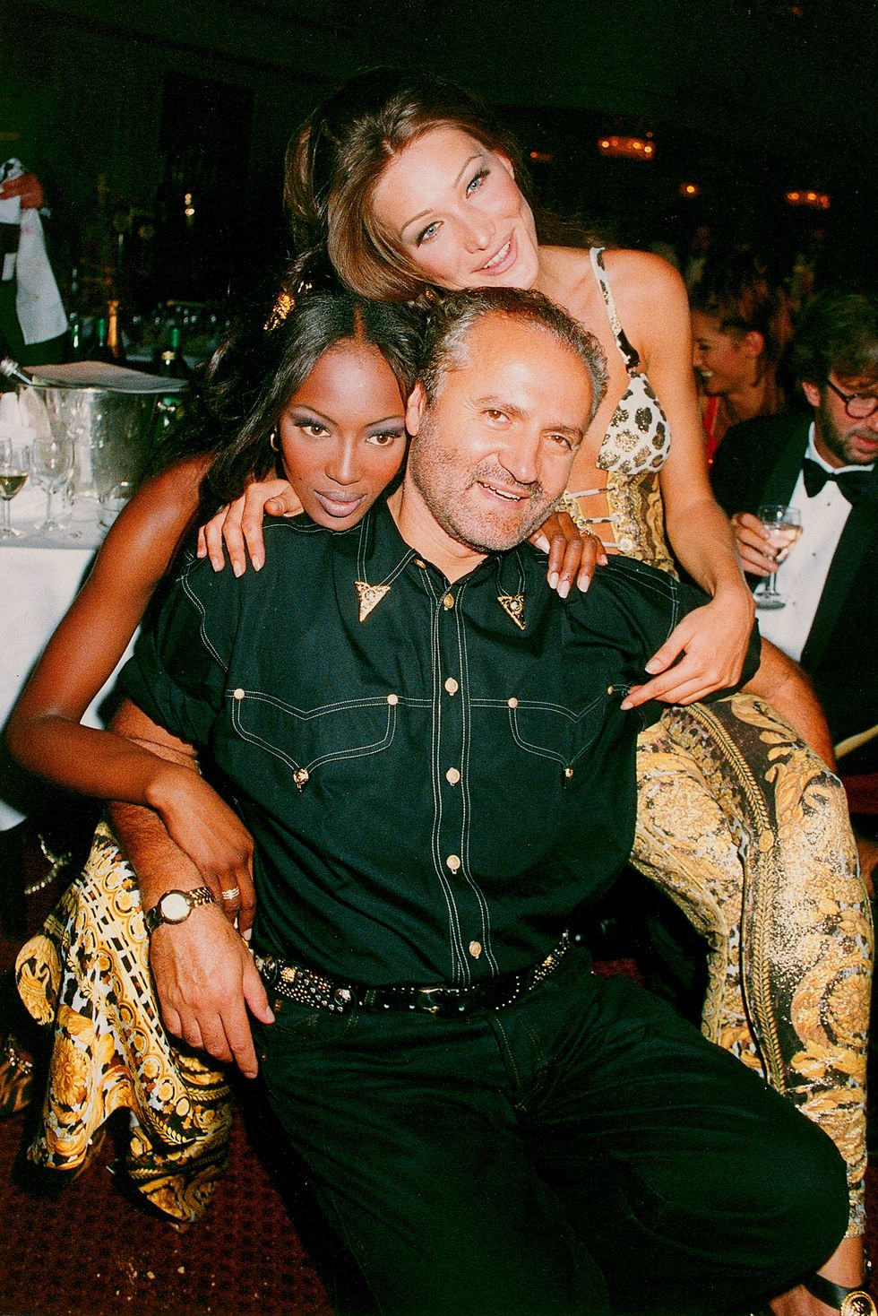 gianni-versace-naomi-campbell-cindy-crawford-azmt