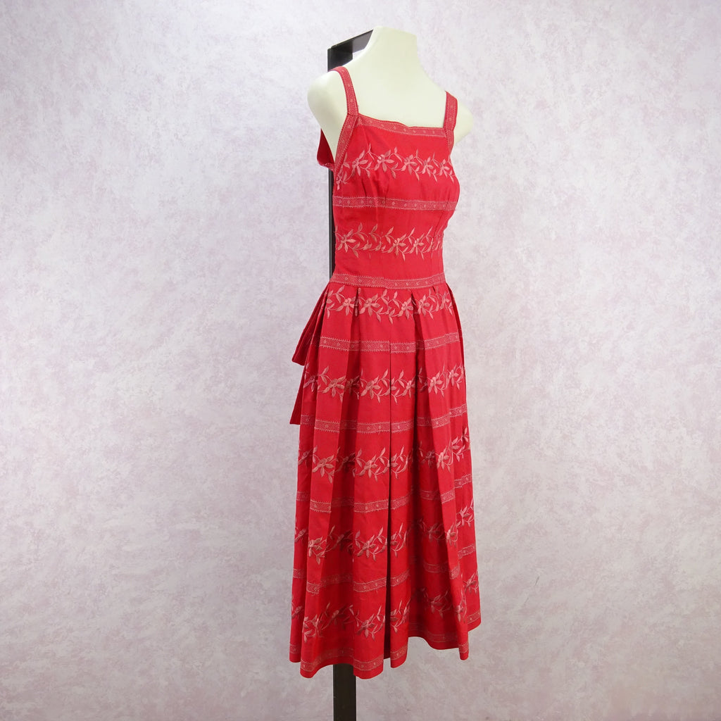 Vintage 50's Embroidered Taffeta Fit & Flair Dress fdf