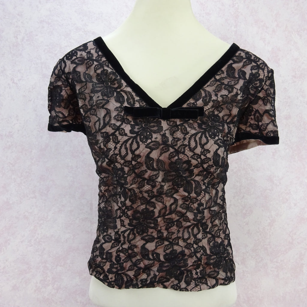 Vintage 50s Lined Lace V-Neck Blouse