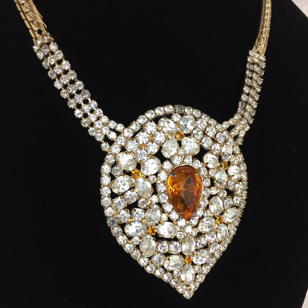 Vintage 50s Pendant Rhinestone Necklace, Close up