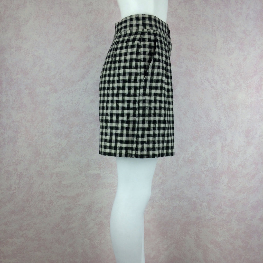 2000s LAUREL Checked Wool Pleated Shortskl
