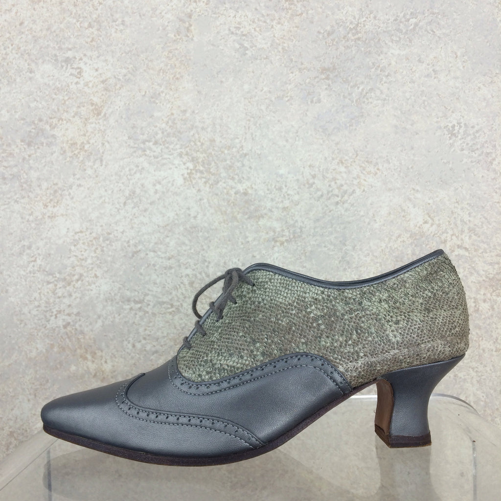 Vintage 90s Pewter Oxford Shoes, solo