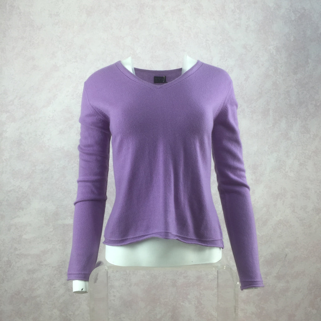 "2000s ""120"" Knit V-Neck Pullover NWT front"