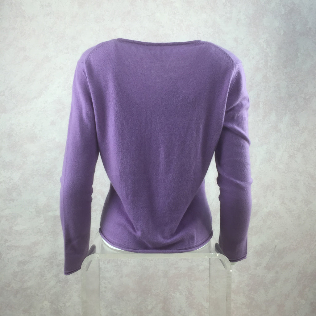 "**** 2000s ""120"" Knit V-Neck Pullover NWT back"