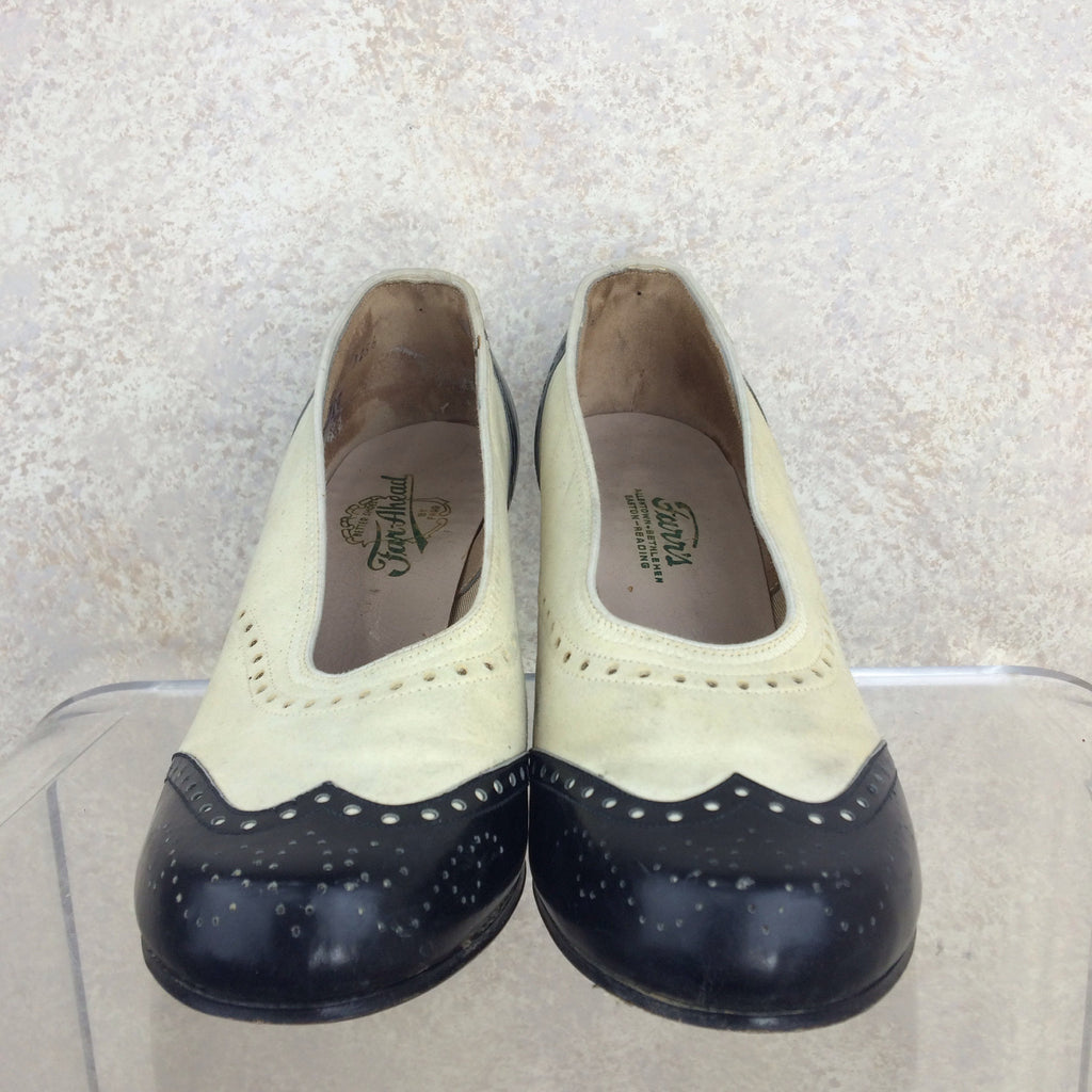 Vintage 40s Spectator Pumps, Side