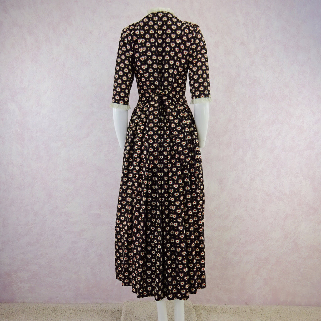 Vintage 40s Ditsy Heart Printed Hostess Dress, NOSgg