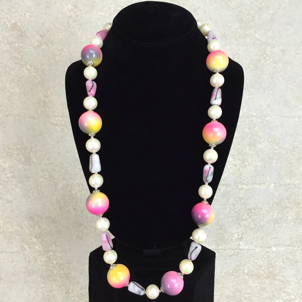 Vintage 80s Marbleized Beaded Necklace, Front