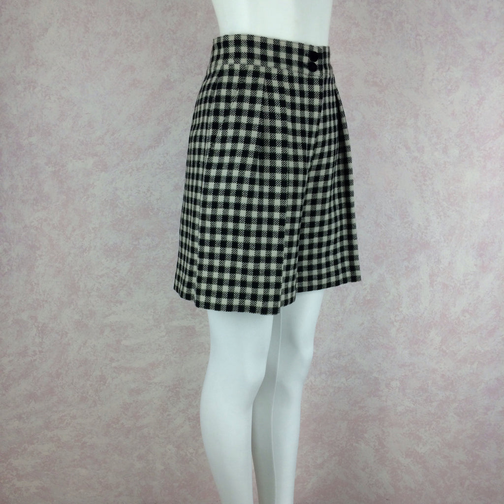 2000s LAUREL Checked Wool Pleated Shortsj