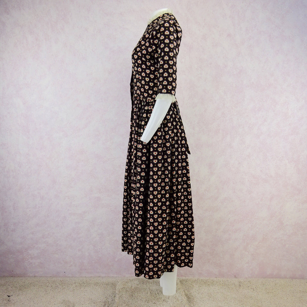 Vintage 40s Ditsy Heart Printed Hostess Dress, NOSf