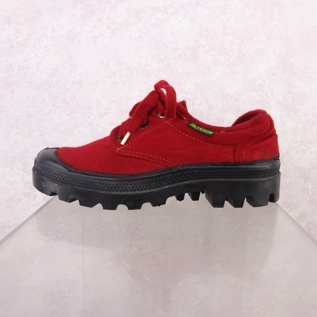 2000s Red Canvas Sneakers NWT  sd