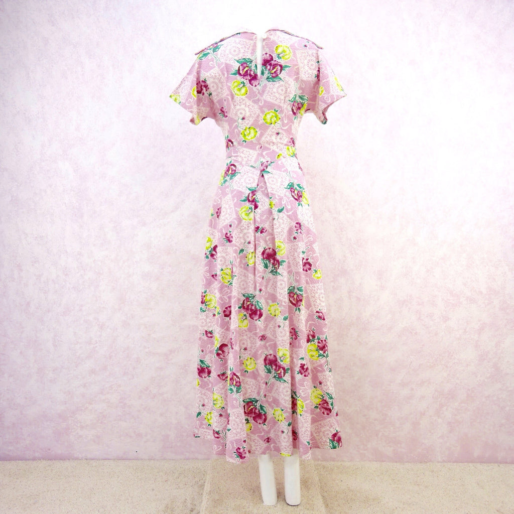 Vintage 40s JULIANA Floral Seersucker Dress, B