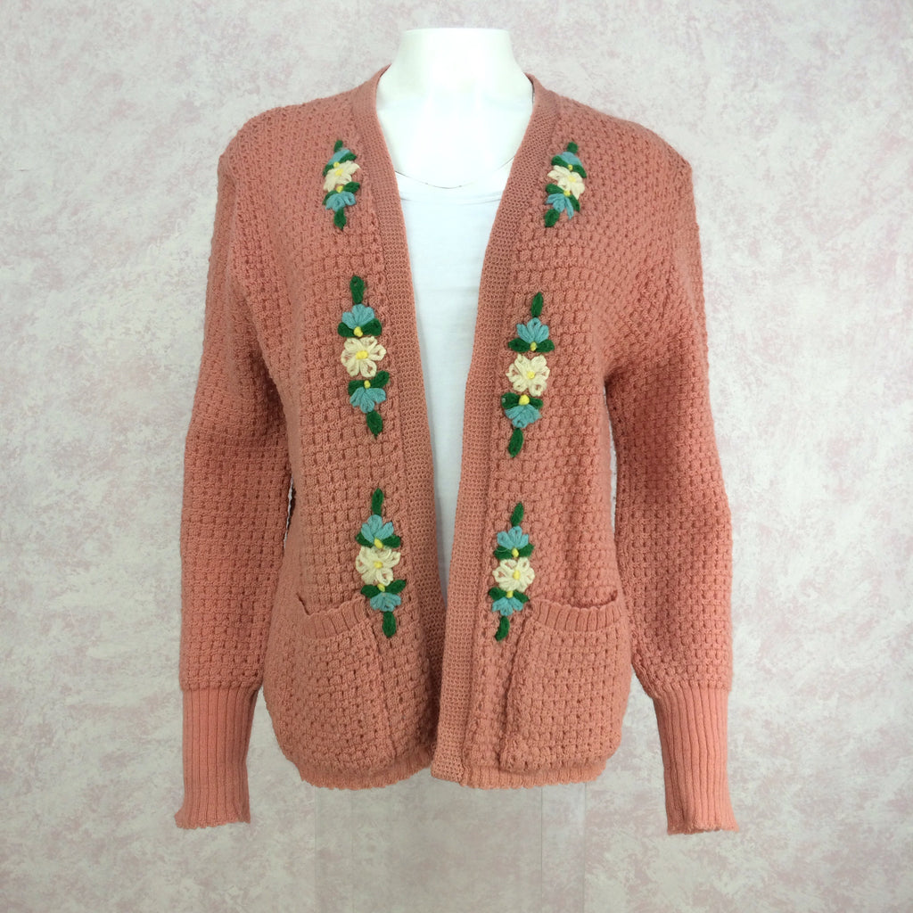 Vintage 40s Knit Sweater w/Floral Embroidery, Front