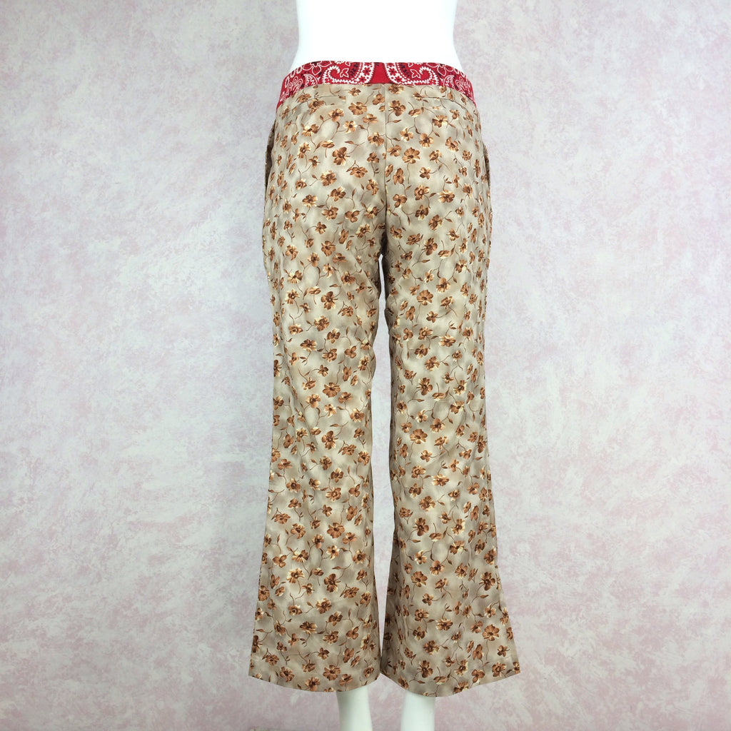 2000s ALICIA LAWHON Floral Printed Capris, Back