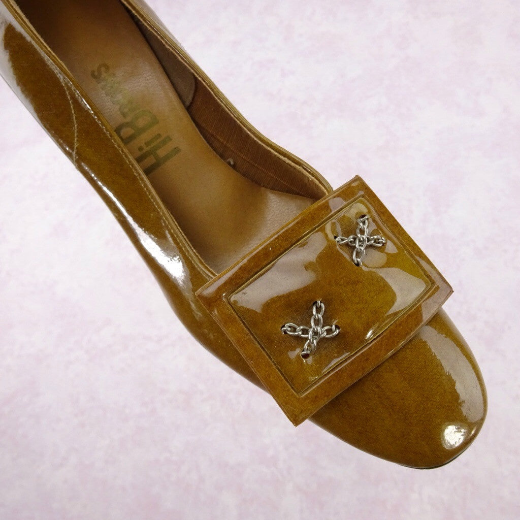 Vintage 70s Mustard Patent Leather Pumps w/Buckle ff