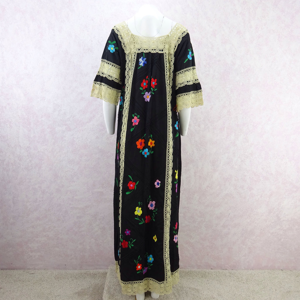 Vintage 80s Hand Embroidered Dress w/ Lace Panels e