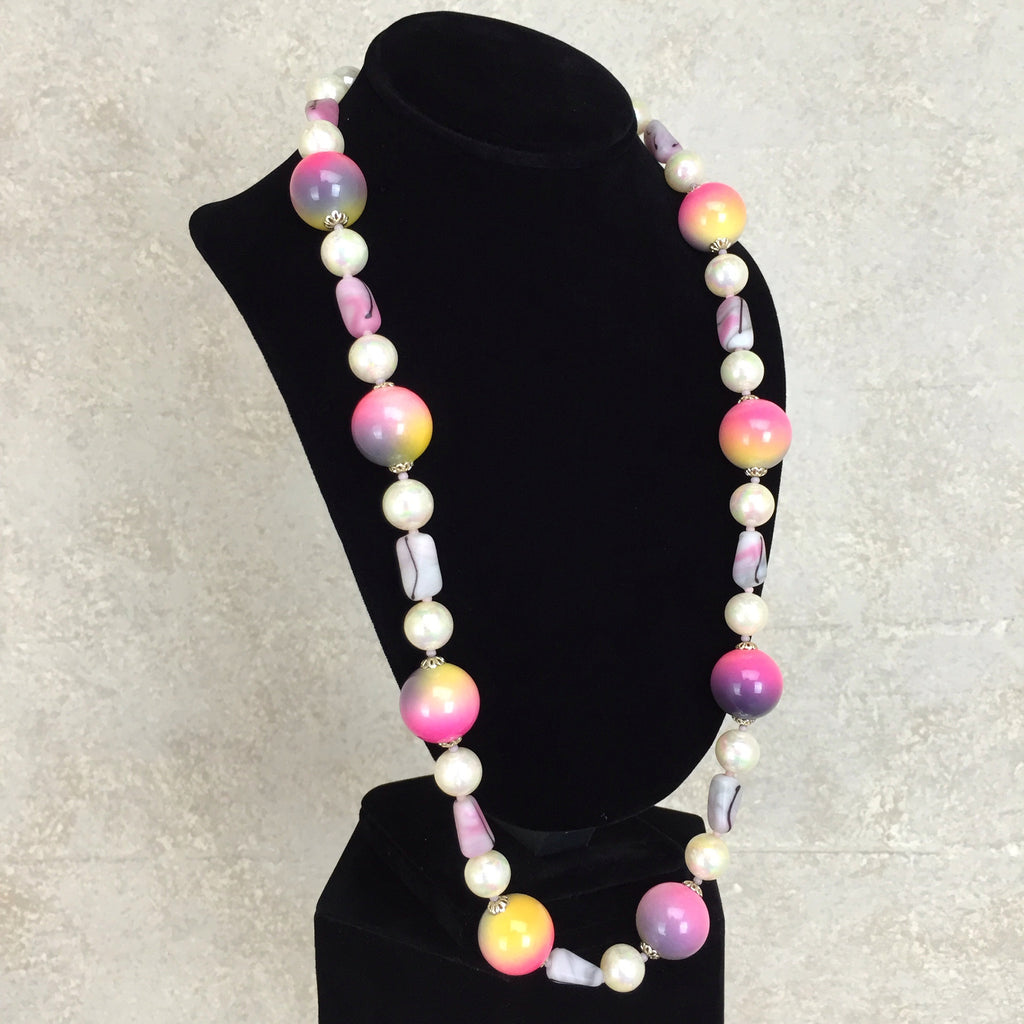 Vintage 80s Marbleized Beaded Necklace, Side