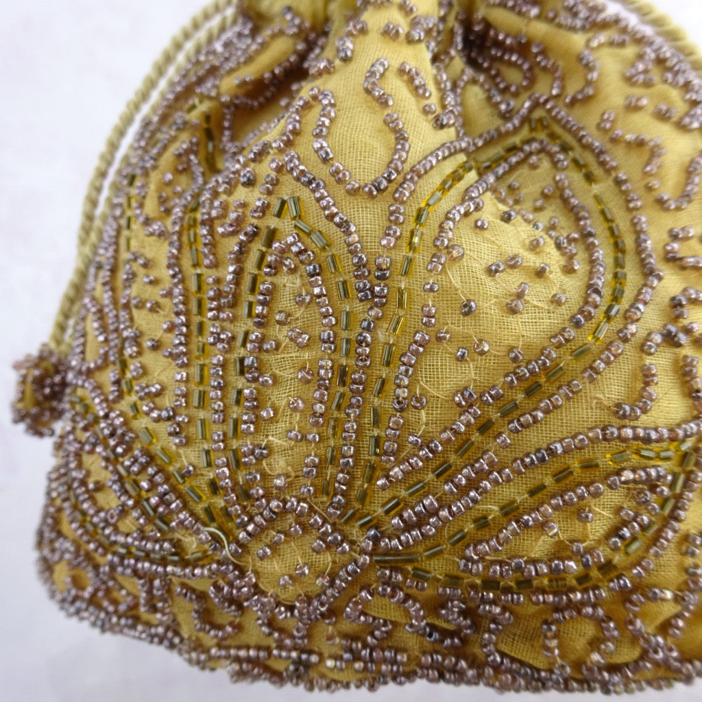 Vintage 30s Gold Beaded Pouch b