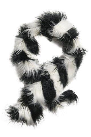 Yeti Zig Zag Scarf in Black & White