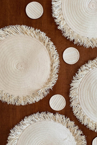 Zenu Place Mat and Coaster Set of 4 in Natural
