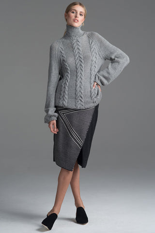 Cable Turtle Neck in Grey