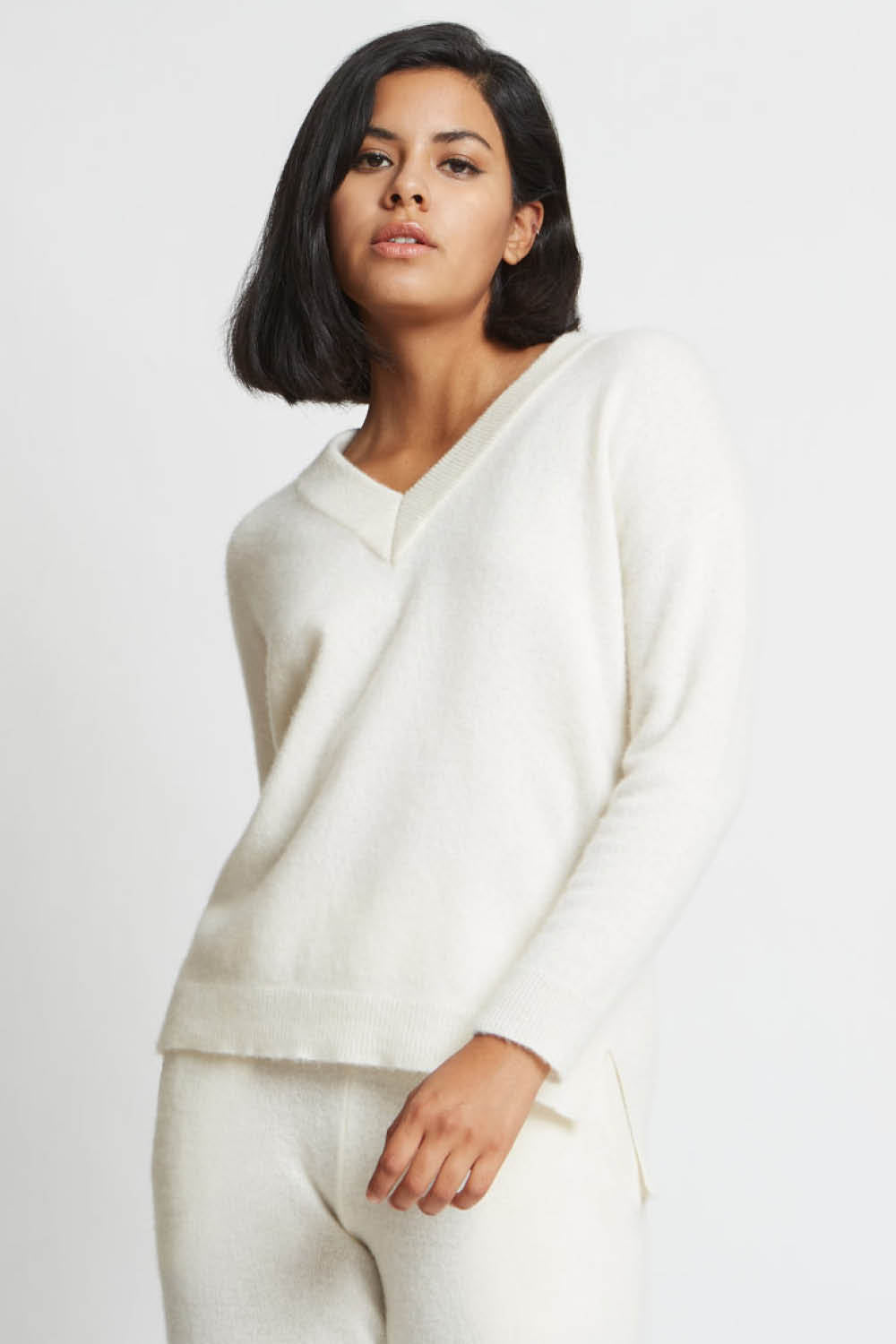 Crista V-Neck Seamless Sweater in Sugar