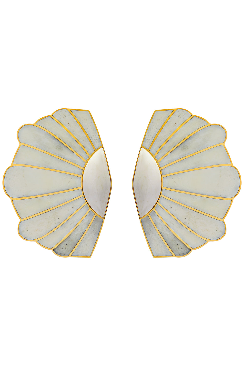 Mullu Earrings in White