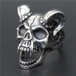 Horned Vampire Skull Biker Ring (size 8-13) - Shopy Bay