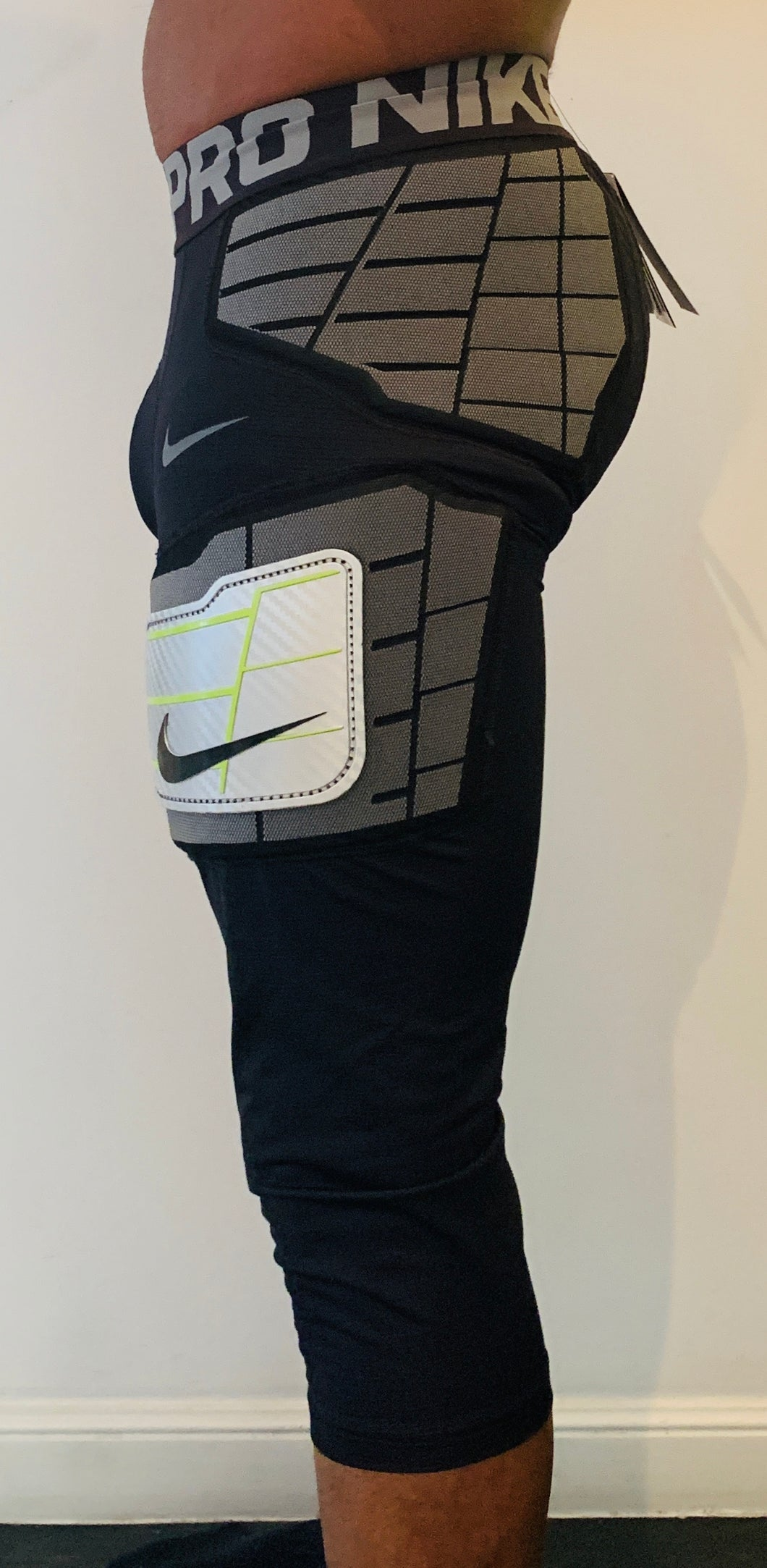 Nike Pro HyperStrong 5-Pad 3/4 Length Tights (L) - SportsTakeoff