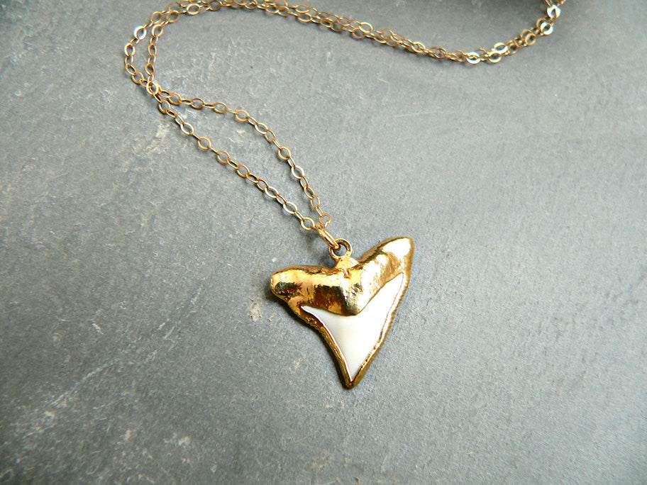 Kattilac Gems Mini White Sharks Tooth Necklace