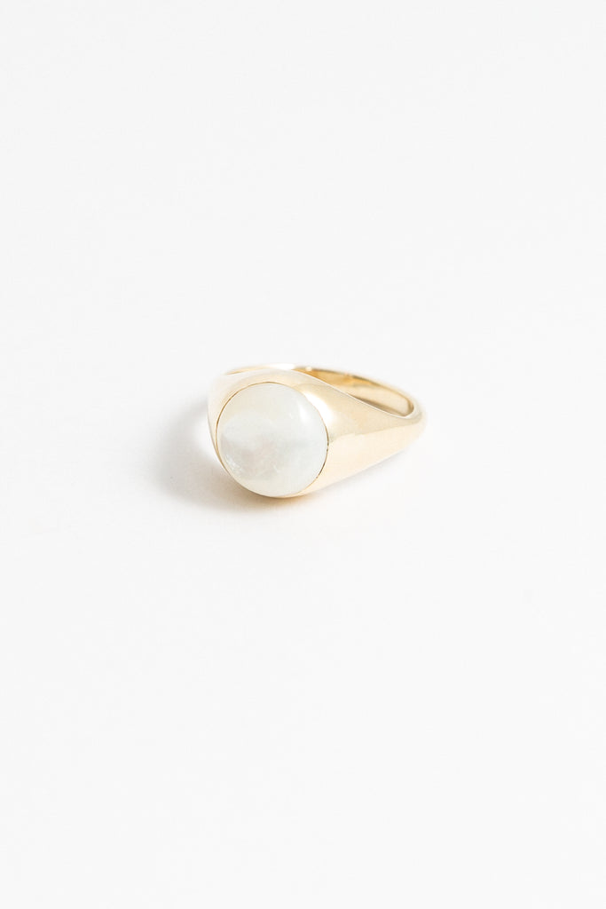 Madre Pearl Ring