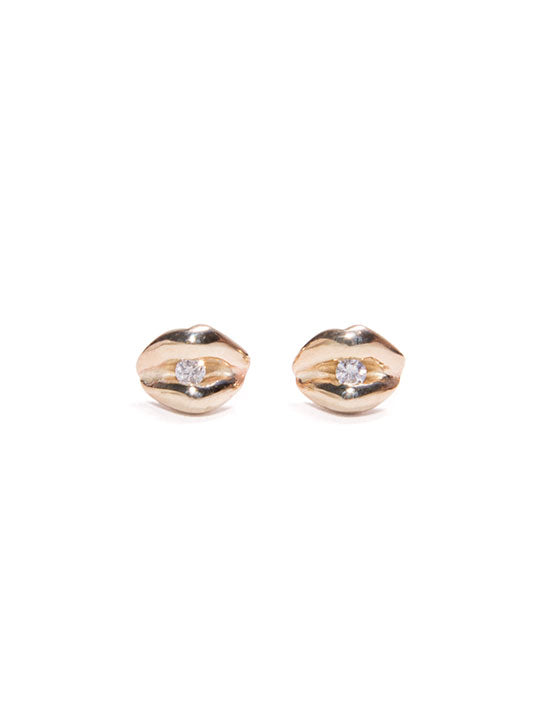Winden Kiss Studs With Diamond