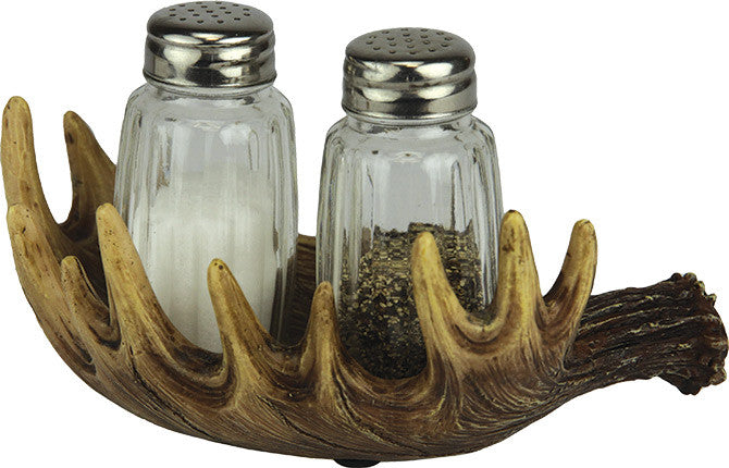Cabin Decor - Moose Salt and Pepper Shakers - The Cabin Shack