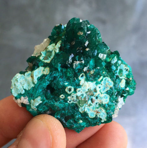 Dioptase crystal - heart chakra crystals - raw dioptase - emotional healing crystals and stones - raw crystals and stones - dioptase love 8