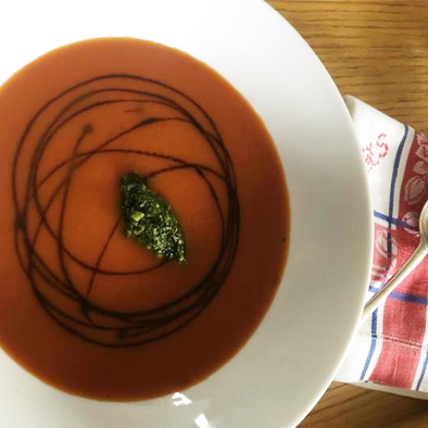 Tomato Soup With Roast Onion Balsamic