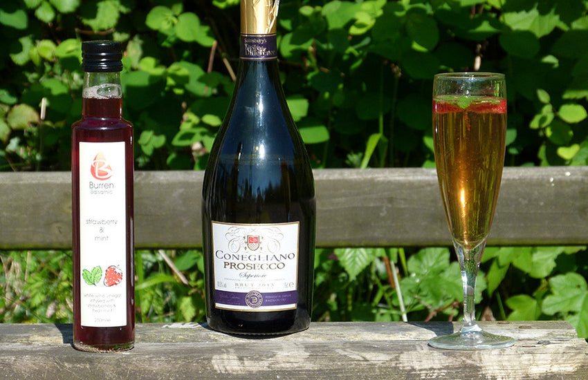 PROSECCO WITH STRAWBERRY AND MINT WHITE WINE VINEGAR