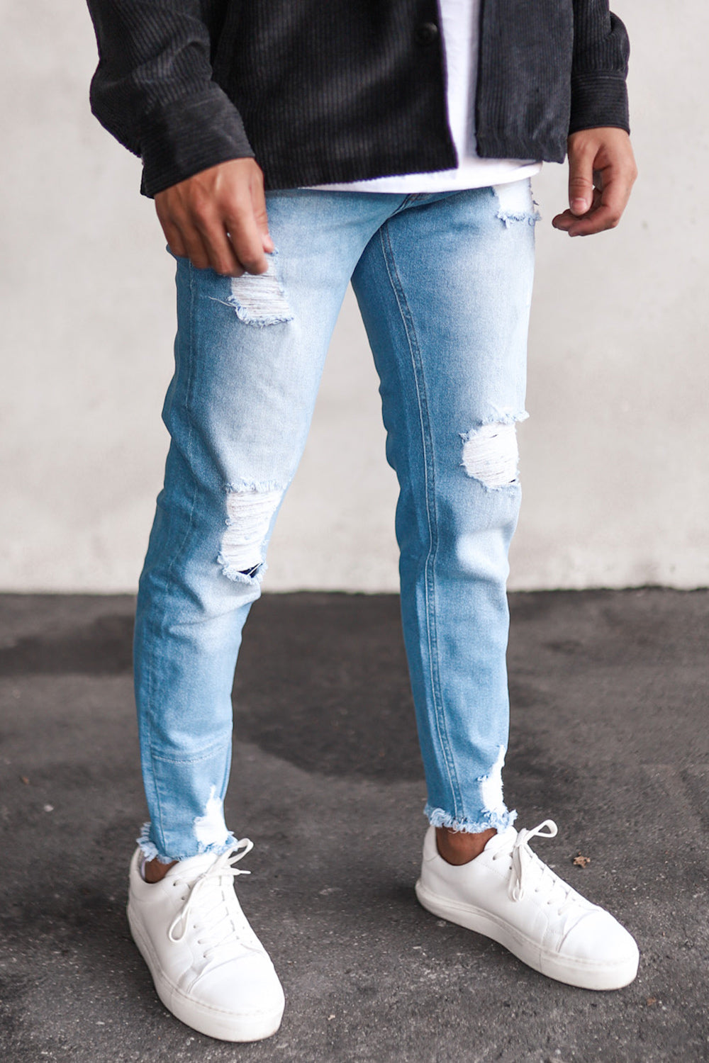 Destroyed Cropped Skinny Denim B5471