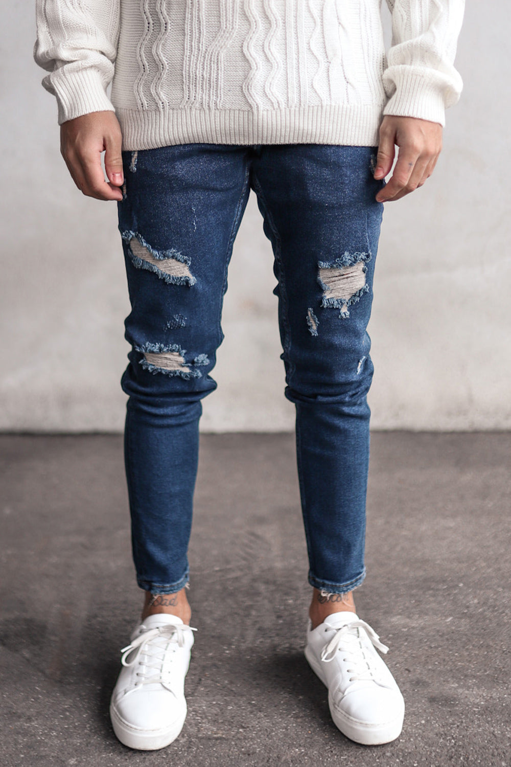 Destroyed Skinny Denim B5914