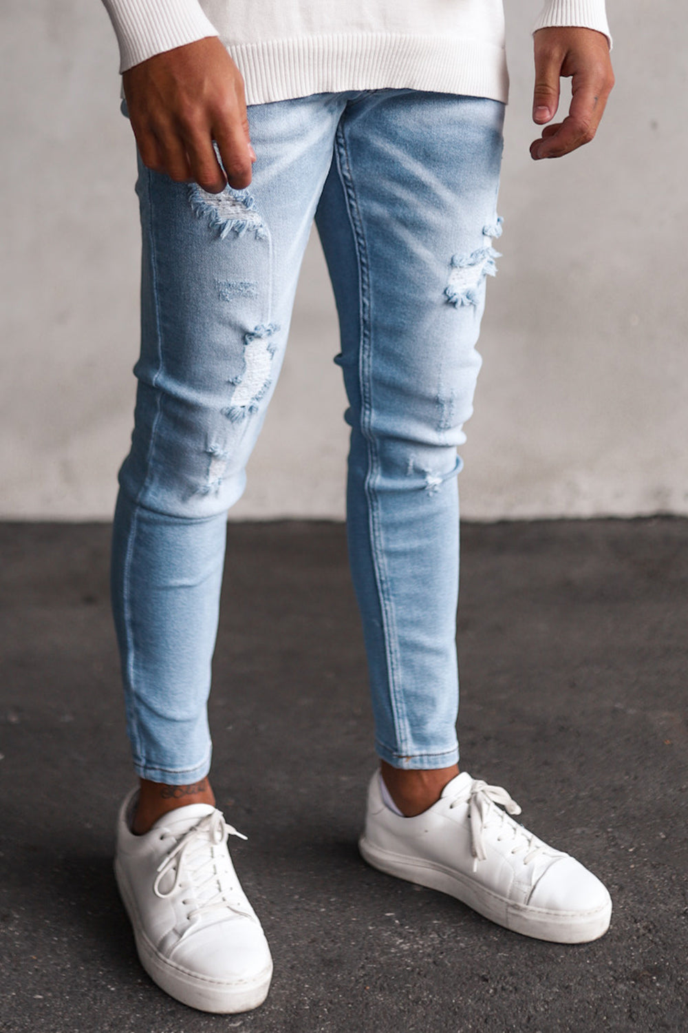 Destroyed Cropped Skinny Denim 2Y8030