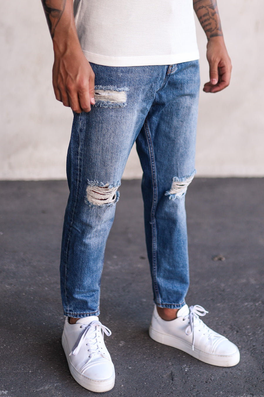 Destroyed Relaxed Denim B5246