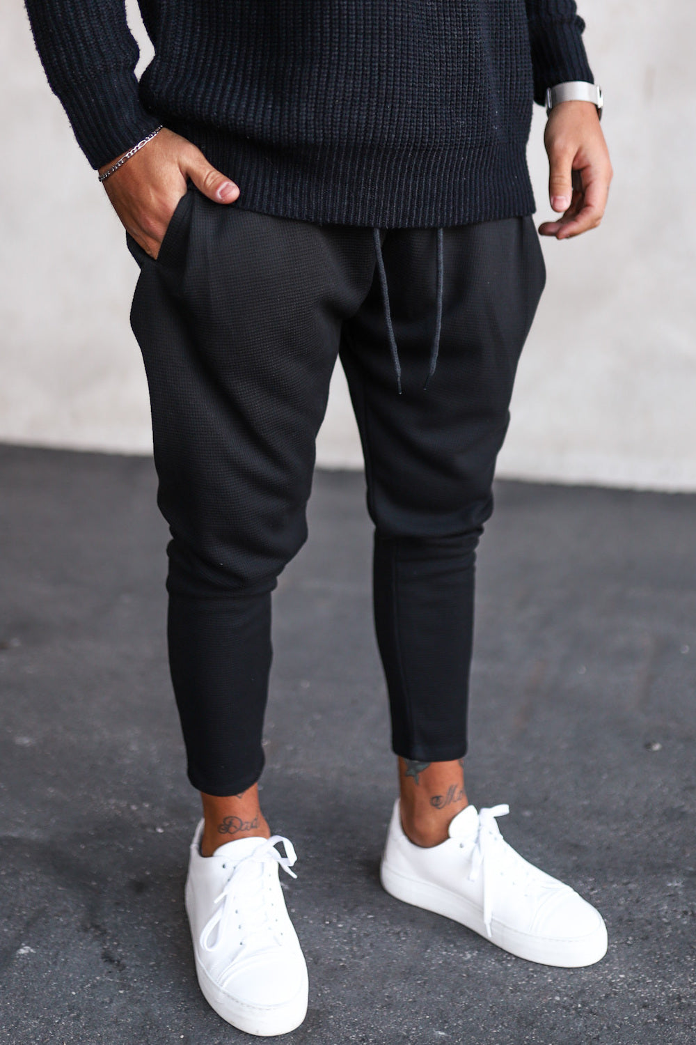 Cropped Sweat Pants P1071B