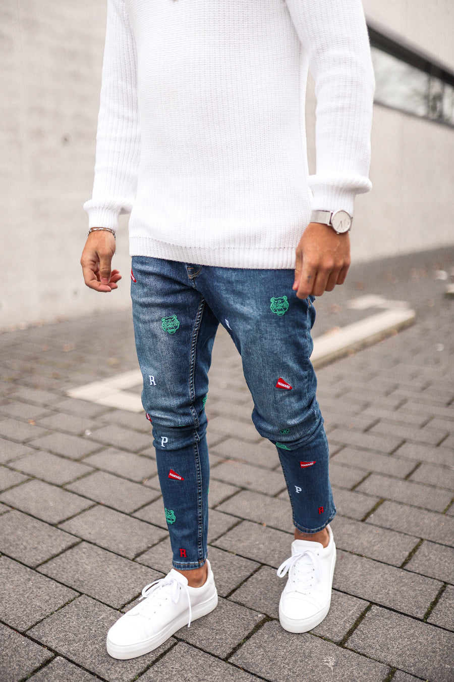 Basic Skinny Denim mit Badges B4856