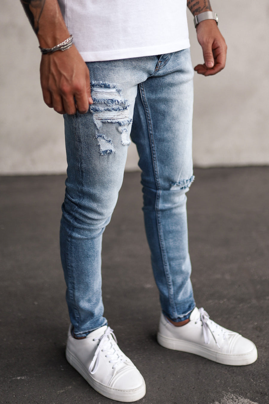 Destroyed Skinny Denim B5201