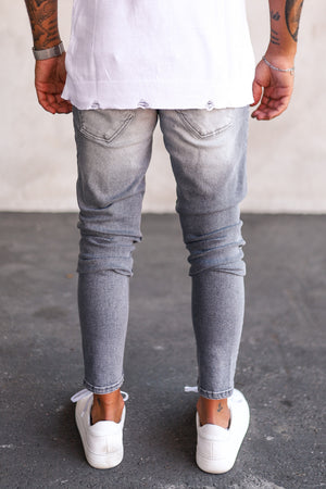 Destroyed Skinny Denim B5282
