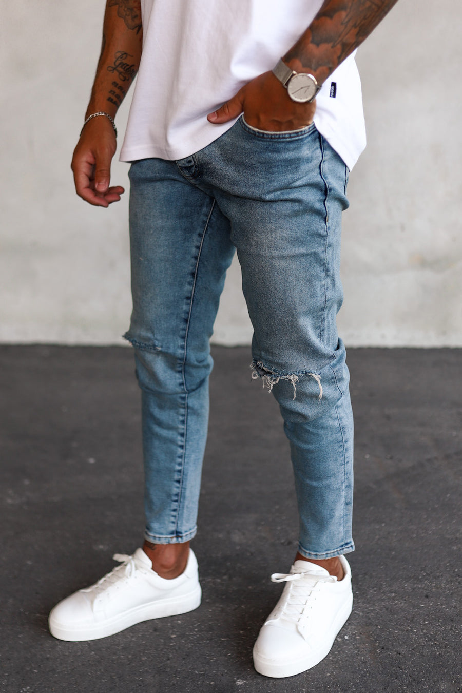 Destroyed Tapered Denim B5370