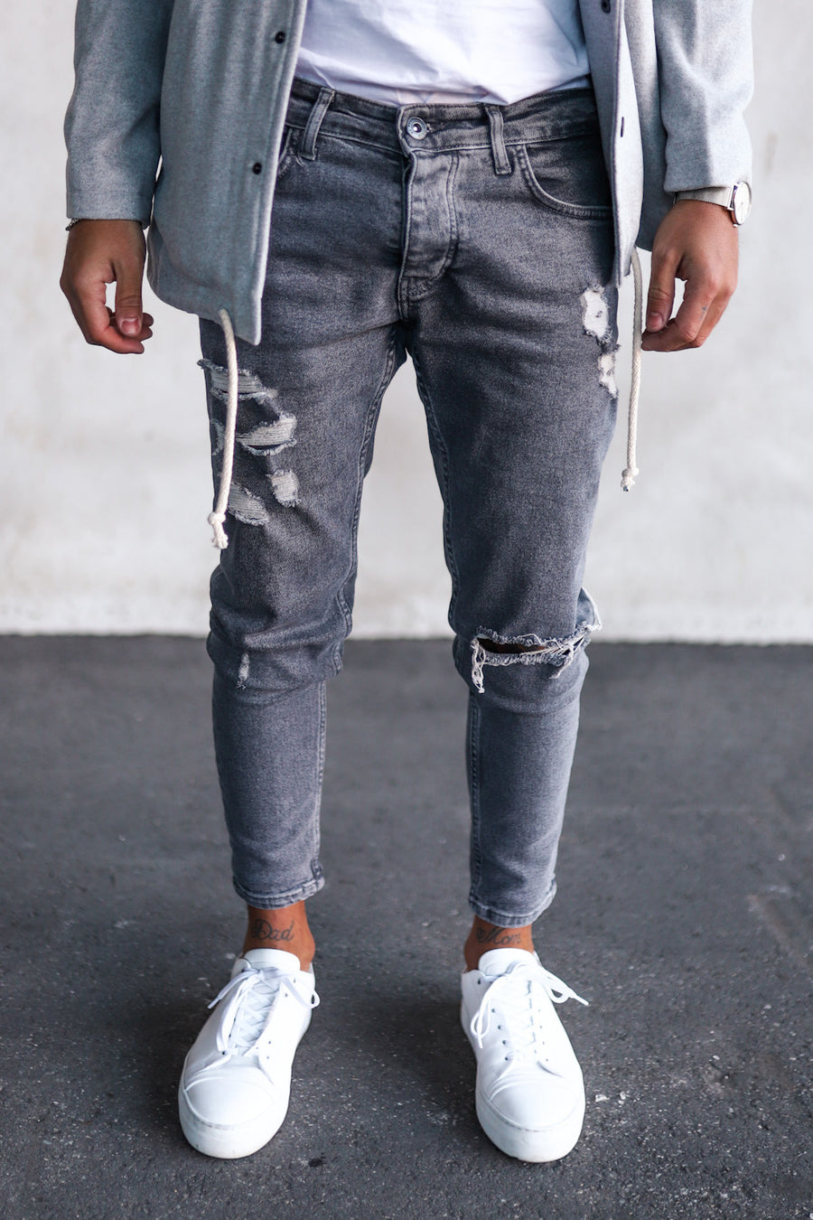 Destroyed Skinny Denim B5152