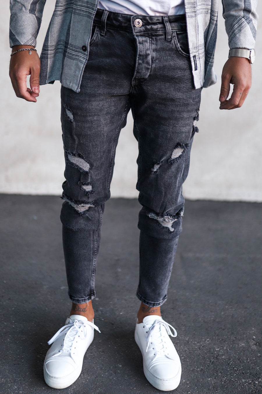 Destroyed Tapered Denim B5073