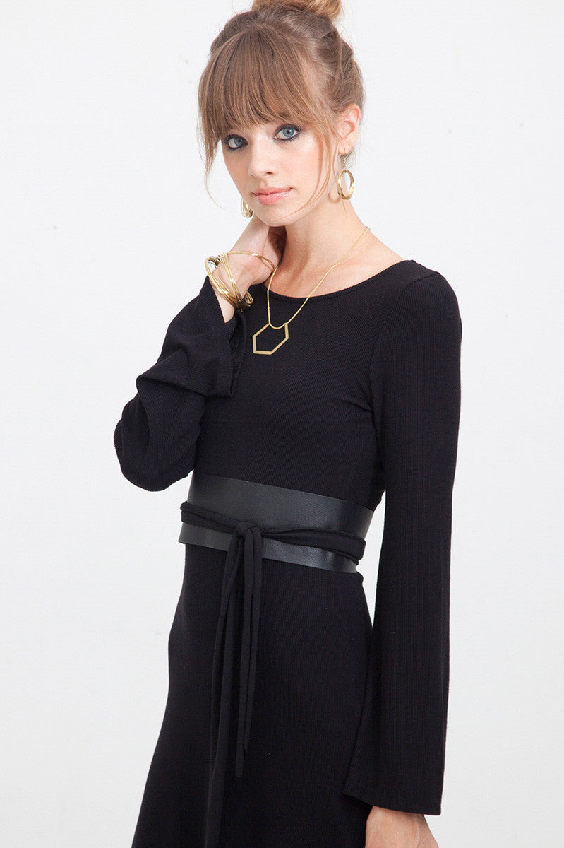 WIDE LEATHER BELT IN BLACK - One Size Fits XS-XL